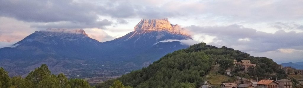 Peña montañesa desde Belsierre